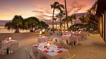 720x406xBRANDO_Restaurant-BeachDining-Sunset-1-870x490.jpg.pagespeed.ic.LhKpm0R8Zz